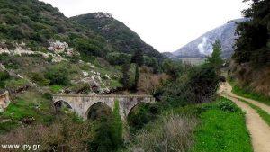 Καρυδάκι-υδατογέφυρα-ποταμός-Κέρατος