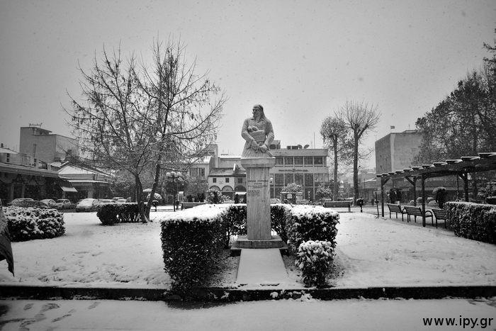 Πλατεία Τρικάλων