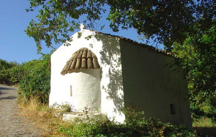 Ο ιερός ναός του Μιχαήλ Αρχαγγέλου στις Αρχάνες