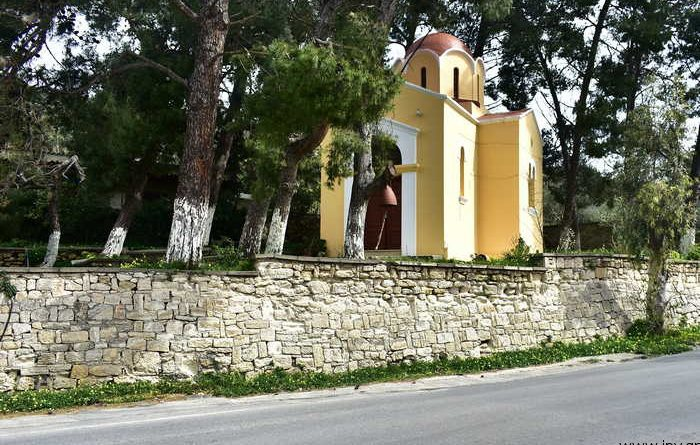 Ο ιερός ναός της κοιμήσεως της Θεοτόκου στα Σπήλια