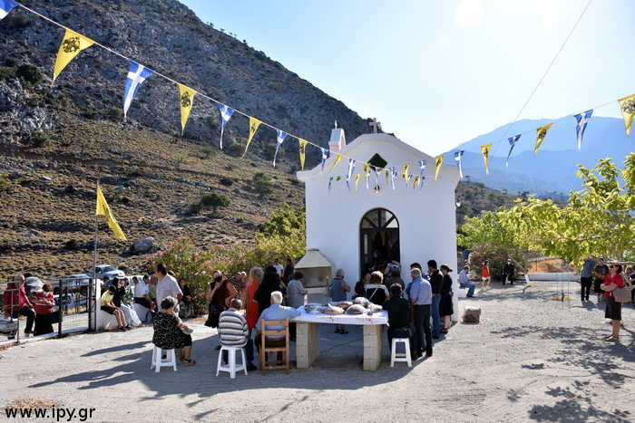 Ναός-του-Αγίου-Μανουήλ-εκ-Σφακίων