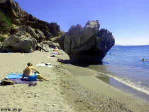 Ο βράχος της παραλίας Πρέβελη