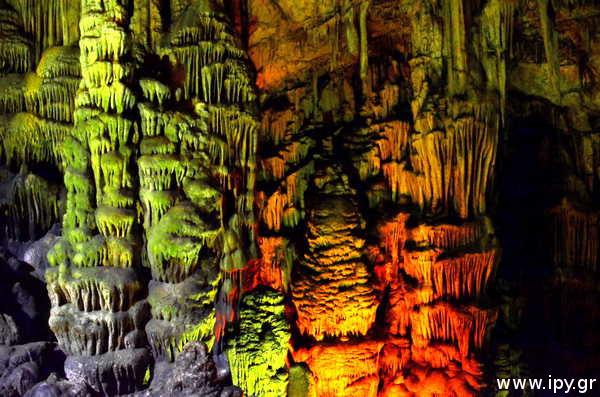 Σπήλαιο-Δικταίον-Άνδρο-γεννήθηκε-ο-Δίας