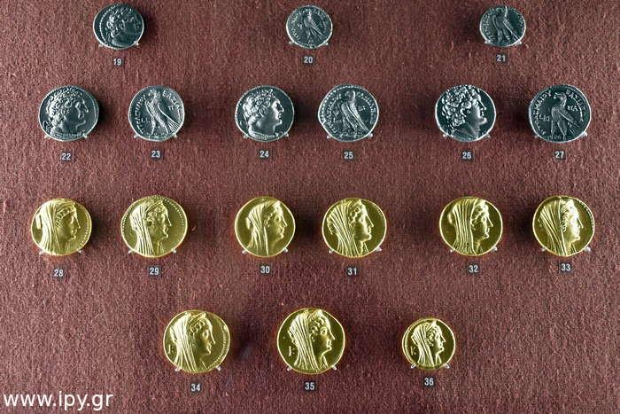 θησαυρός νομισμάτων